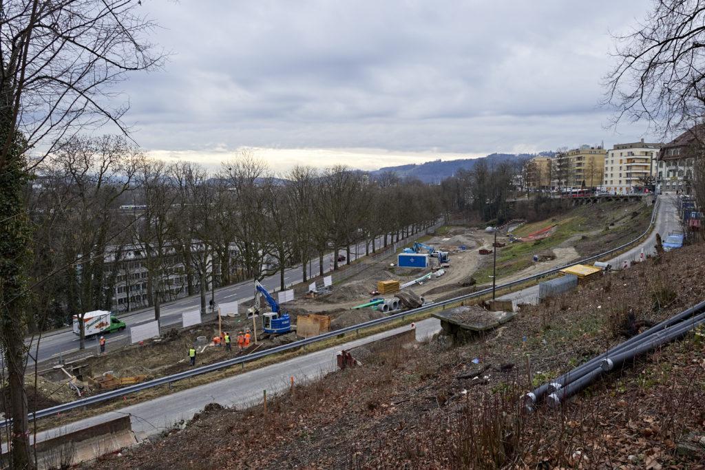 Installationsplatz Hirschenpark: Von hier aus entsteht der Zufahrtstunnel des neuen RBS-Tiefbahnhofs. Dazu wird hier eine Baugrube ausgehoben werden.